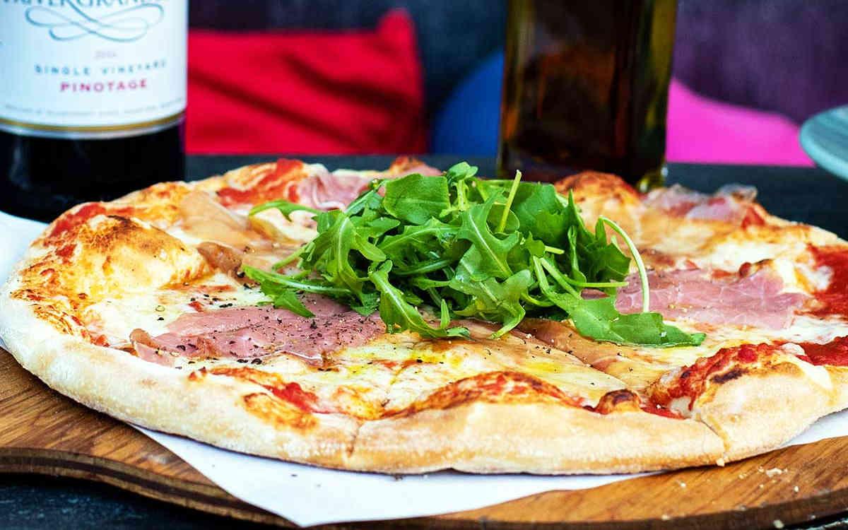 Hangin Pizzeria Betws-y-Coed
